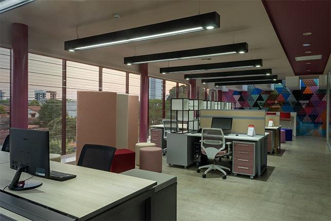Luma showroom estación de trabajo